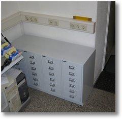jede ecke im computerladen wird genutzt - bürocontainer bild 2